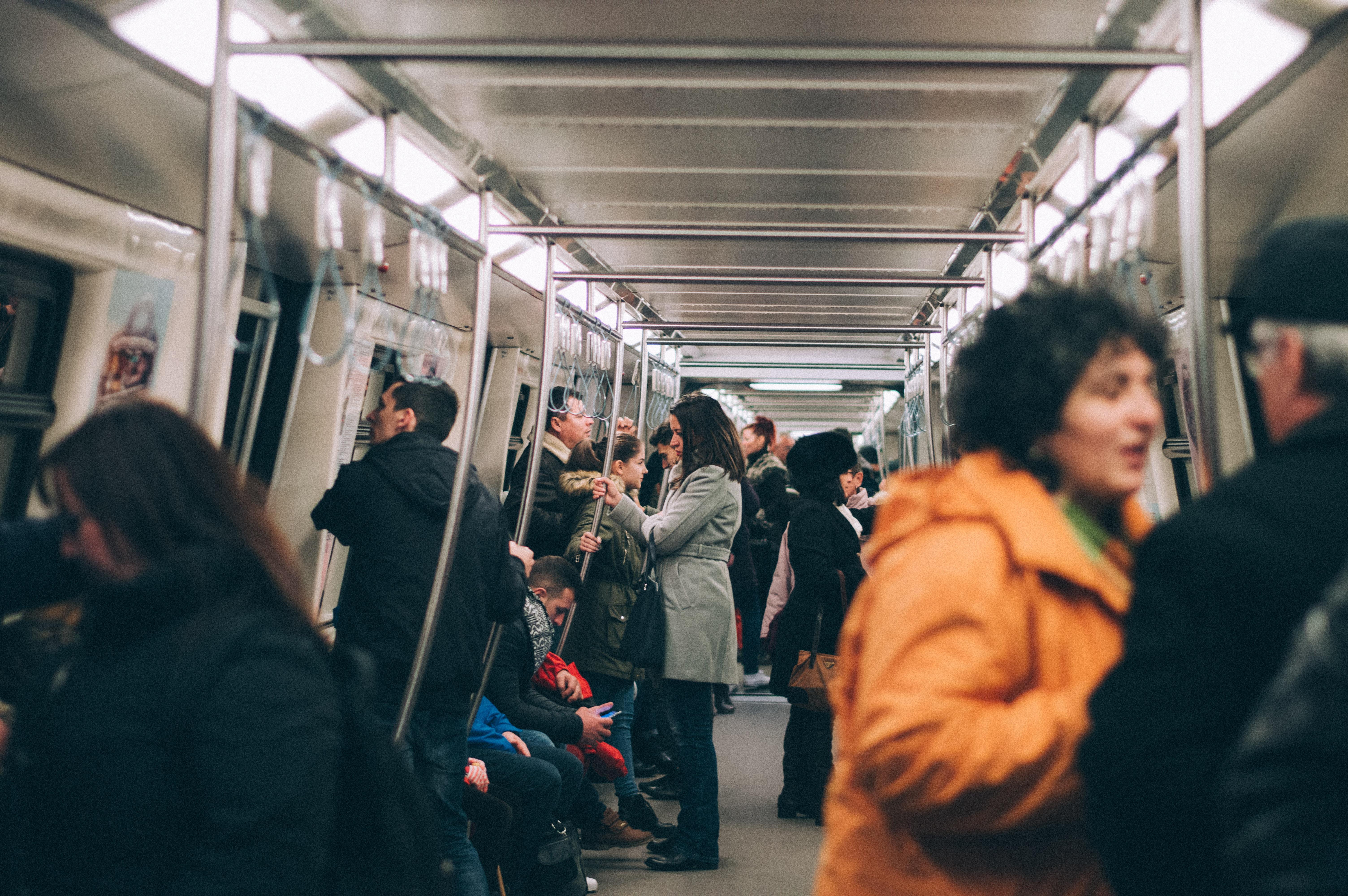 Как работодатель должен оплачивать проезд на поезде и автобусе